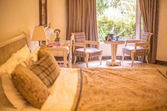 Dusty Country Roads and Hotel Carpeting – the similarities and the differences